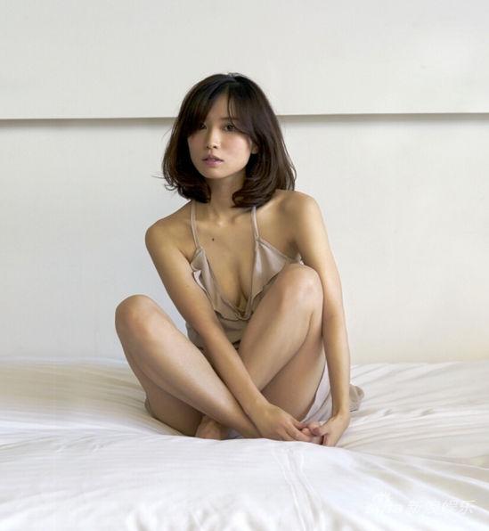 新浪娱乐讯据日本媒体报道,性感市川由衣一丝不挂屁大卫女星屁的贝克汉姆图片