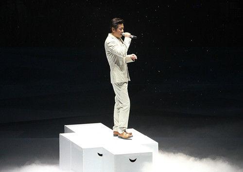 王傑深情演唱