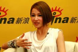 独家:萧亚轩聊再嫁EMI心路新碟很颠覆很好玩