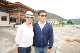 组图:梁朝伟刘嘉玲完婚乘私人飞机印度度蜜月
