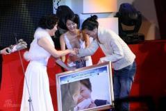 组图:韩MAX电影颁奖礼举行车太贤申敏儿大赢