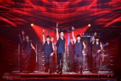 组图:东方神起韩国火爆开唱舞台绚丽劲歌热舞