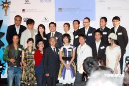 组图:任达华恋上张静初齐助阵香港电影节