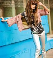 组图:尹恩惠摇身变坏女孩穿奇装染发浓妆艳抹