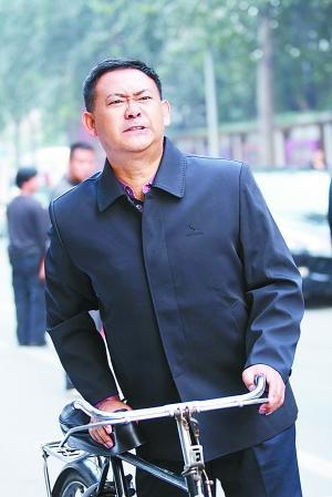 姜武《我是老板》演绎小人物展露喜剧天赋(图)