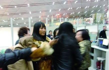 张咪机场被拦事件