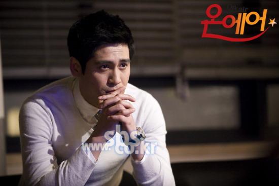 资料图片:韩剧《OnAir》5月12日官网剧照(15)