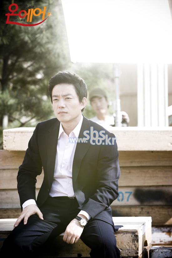 资料图片:韩剧《OnAir》5月12日官网剧照(25)