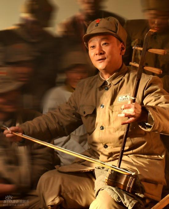 资料图片:《七十七封》--萧岱青饰豆子忠