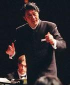 谭利华指挥比利时国家交响乐团