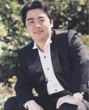 孙砾饰演周洛平
