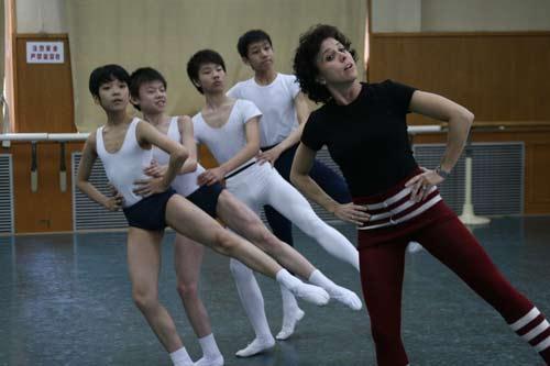资料图片:瑞典皇家芭蕾舞团教学