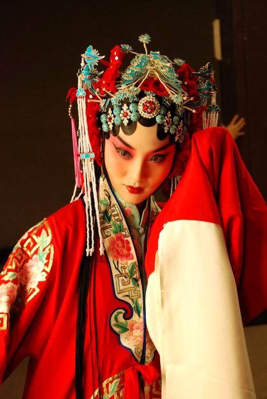 对话戏曲人储兰兰:继承传统打造新京剧(图)
