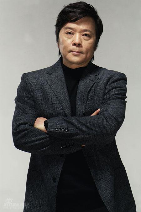 资料图片:优秀戏剧导演查明哲(3)