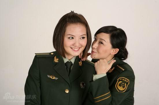 资料图片:《独生女》宣传照--蒋小涵买红妹