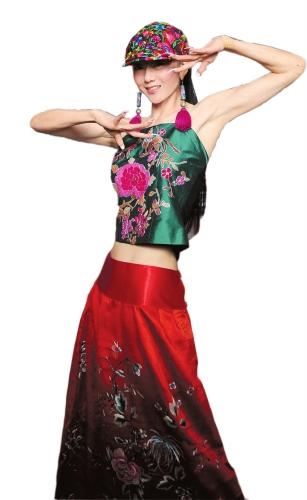 杨丽萍美甲20年《云南的响声》用它舞出孕味