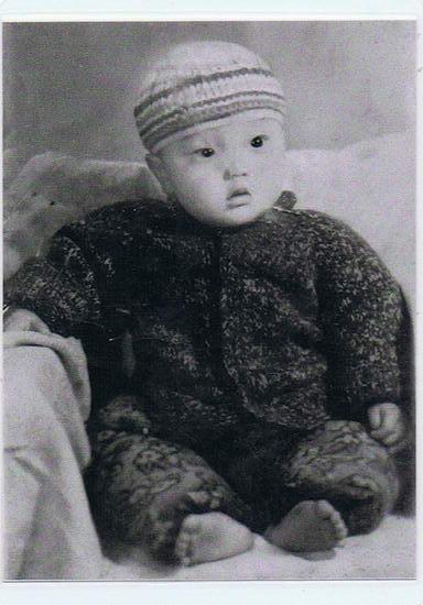 资料图片:李玉刚儿时旧照(4)