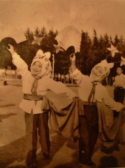 资料图片:李玉刚儿时旧照(5)