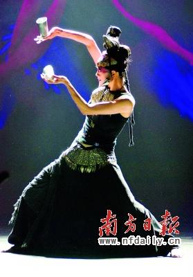 《云南的响声》广州上演杨丽萍独舞霸气十足