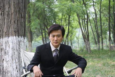 资料图片:国家话剧院男演员--赵会男