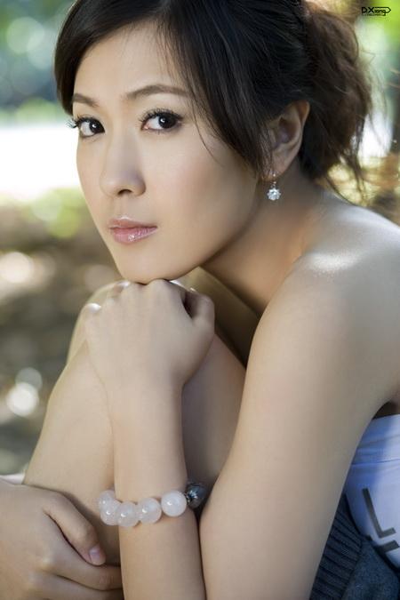 资料图片:国家话剧院女演员--江佳奇