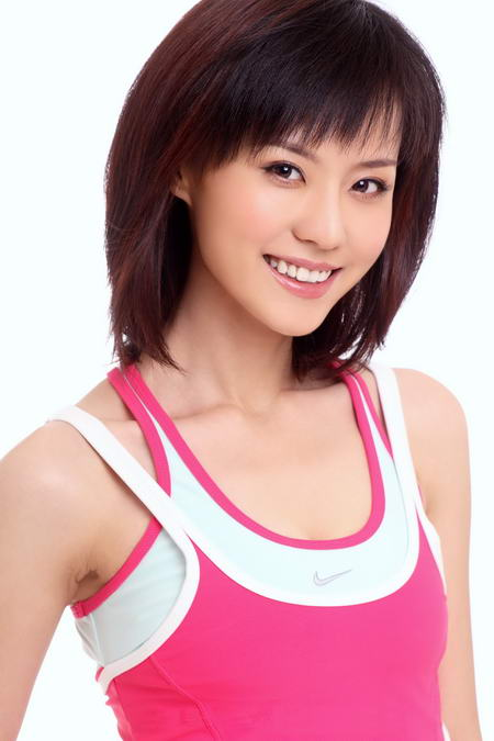资料图片:国家话剧院女演员--李冰