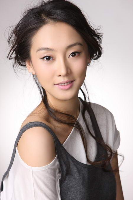 资料图片:国家话剧院女演员--刘洋