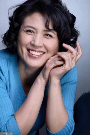 资料图片:国家话剧院女演员--张英