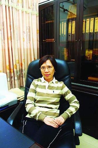 粤剧名伶倪惠英:我是董事长了