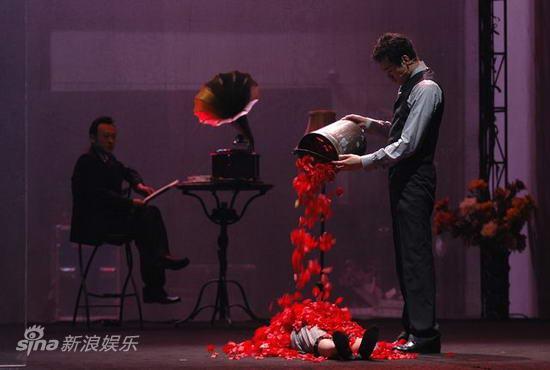 田沁鑫《玫瑰》屡演屡爆加盟文化部剧目展演