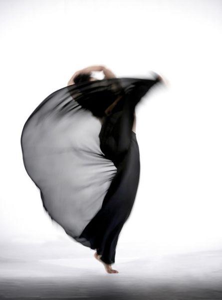 狂草90后影院_资料图片:林怀民往期作品-《狂草》