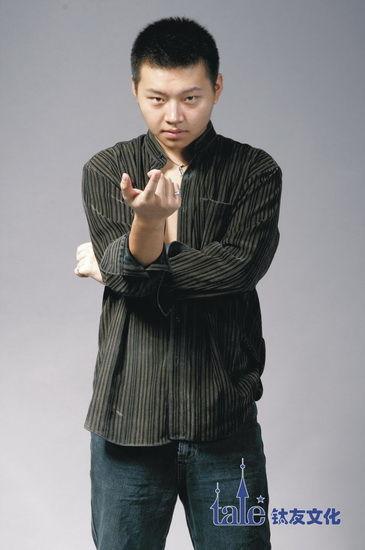 领衔主演:吴彼