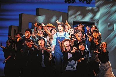 《妈妈咪呀!》将于8月12日在北京上演。 青红供图