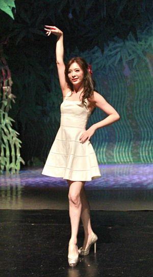 刘真大展撩人舞姿
