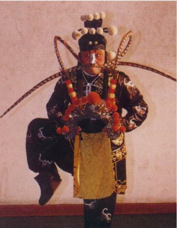 《战宛城》剧照(艾世菊饰胡车,1985)