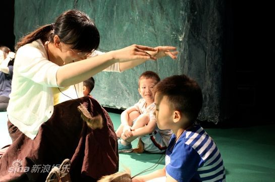国话儿童戏剧教育体验馆 家长与孩子的互动