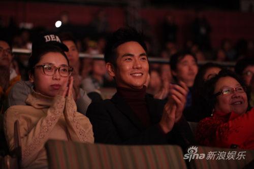 张晓龙看《妈妈咪呀!》中文版