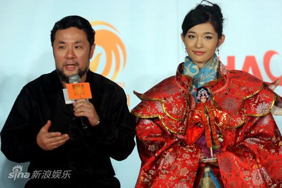 """图文:""""中国公主""""评选-陈维亚和李若凝"""