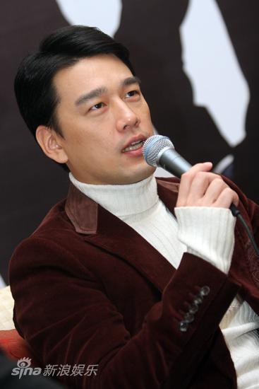 图文:《上班族》发布会-主演王耀庆