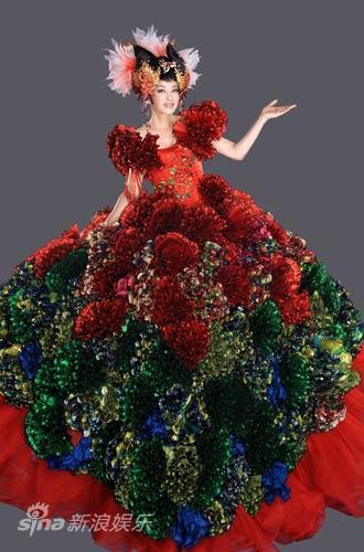 图文:《阿房宫赋》刘晓庆写真-300米布料打造奢华戏服
