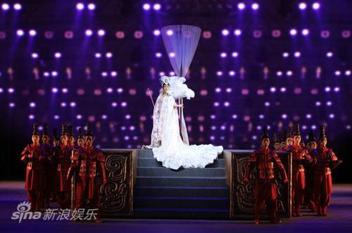 图文:《阿房宫赋》刘晓庆写真-舞台上光芒四射