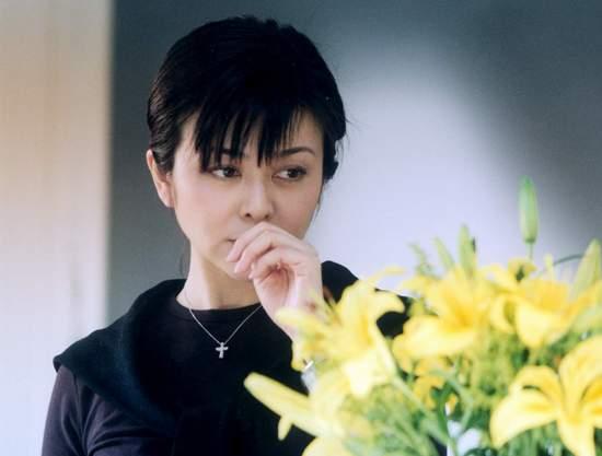 冯小刚贺岁片十年之最水土不服的人物--关芝琳