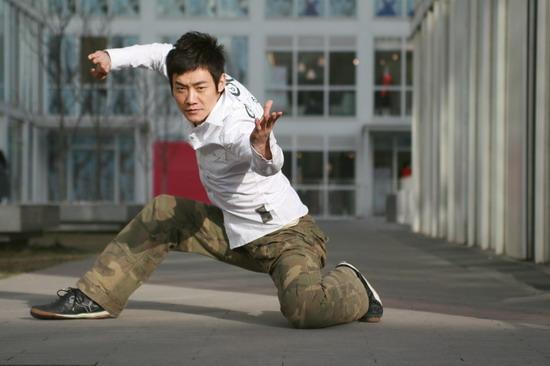 资料:《龙的传人》十六强选手--乔宇
