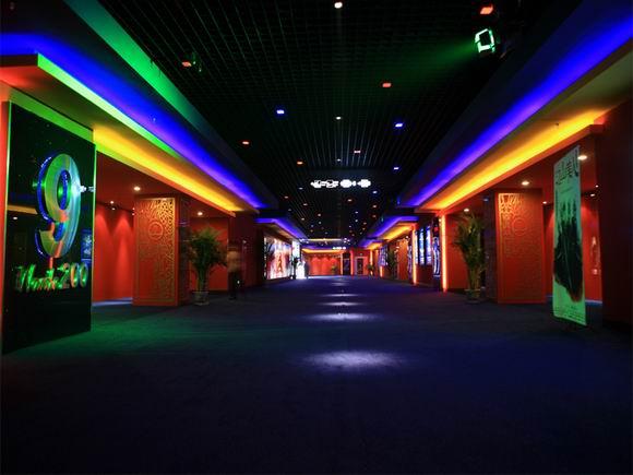 资料:北京万达龙德影城装璜--宽阔的走廊