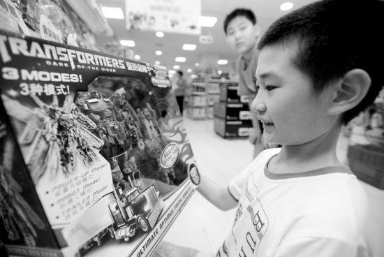 《变形金刚》衍生品每年在中国创造的直接经济价值超过1忆元人民币