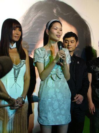 吕燕打造《时尚先生》造型王雨演绎T台冠军