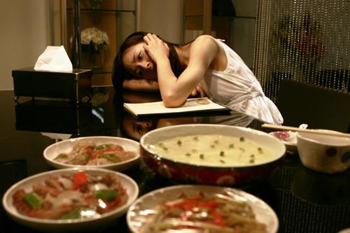 江一燕《双食记》为爱学烹饪才女十指沾阳春水