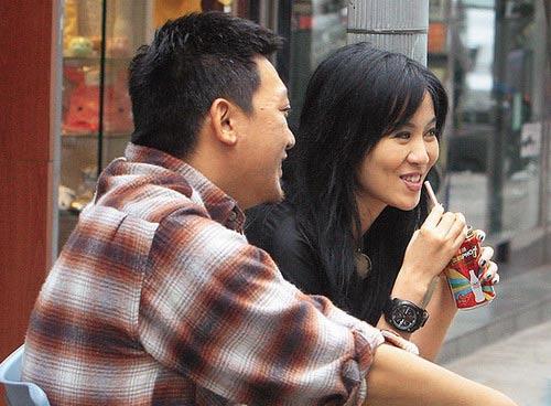 《暗杀》香港热拍叶璇亲和笑容引众人驻足(图)