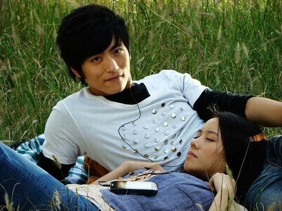 《爱情左右》张峻宁PK11型男《柠檬》演绎浪漫