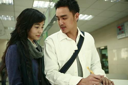 明道首次触电《感情生活》片中携手夏雨姚星彤